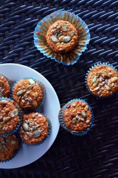 Owsiane, wilgotne muffinki z wiśniowym środkiem