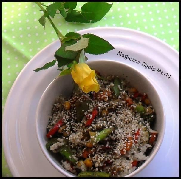 Ryż prowansalski z warzywami i sezamem