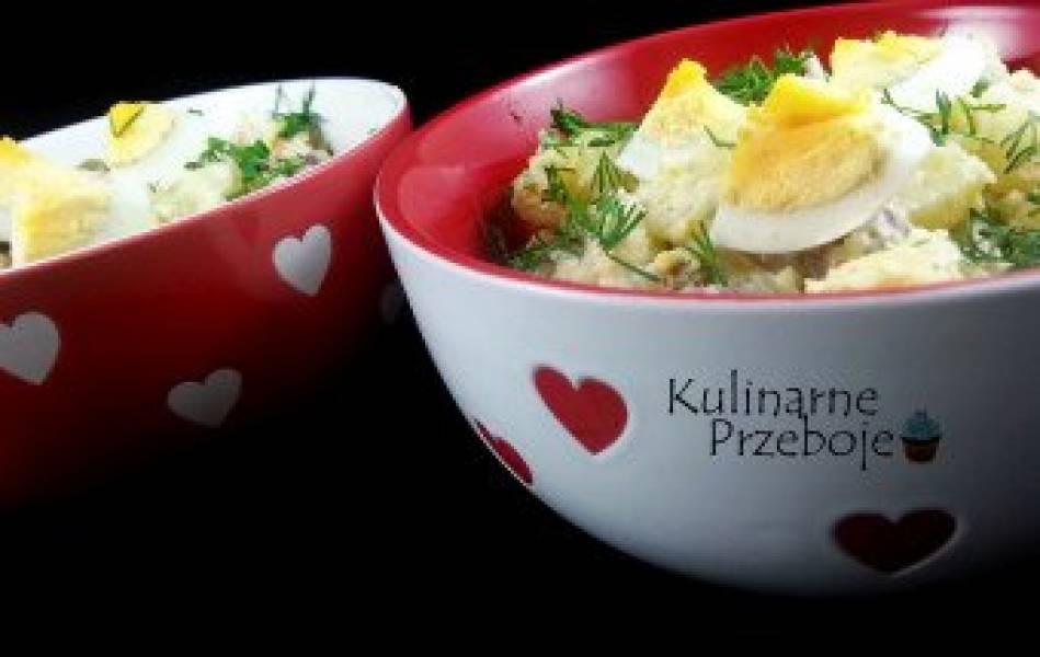 Sałatka ziemniaczana z kabanosami i jajkiem