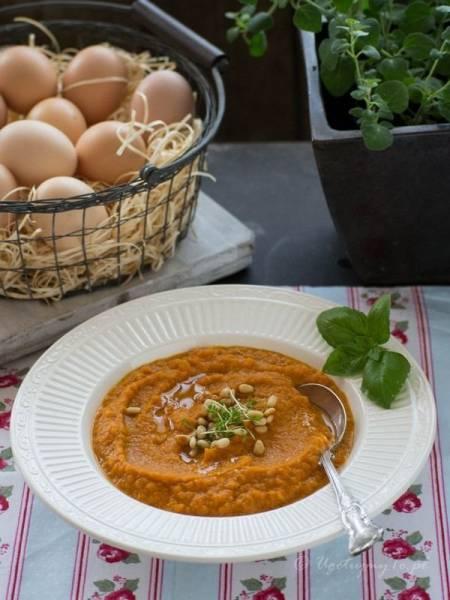 Zupa krem z marchwi i pieczonej papryki
