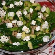 Zielona sałatka szpinakowa zawokado