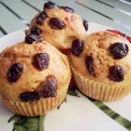 Muffinki z białą czekoladą i suszoną żurawiną