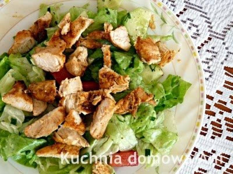 Sałata lodowa z kurczakiem