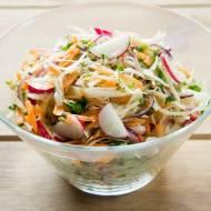 Wiosenna wersja surówki z białej  kapusty. /  The spring version of white cabbage salad.