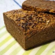 Chleb razowy orkiszowo-żytni ze słodem i ziarnami na zakwasie