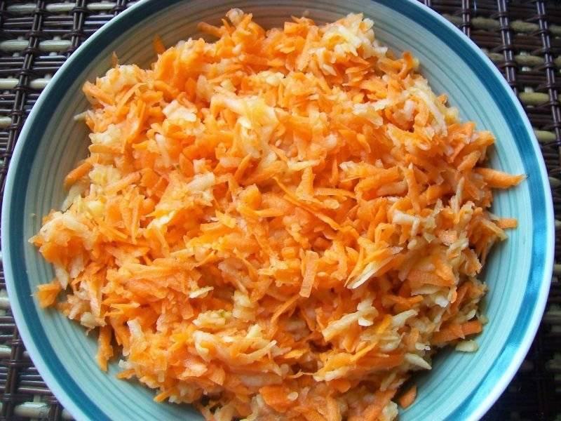 Surówka marchewkowo-jabłkowa z sokiem z pomarańczy