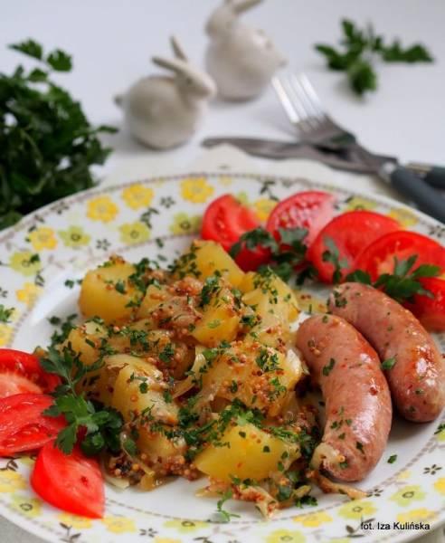 Biała kiełbasa z ziemniakami i musztardą francuską