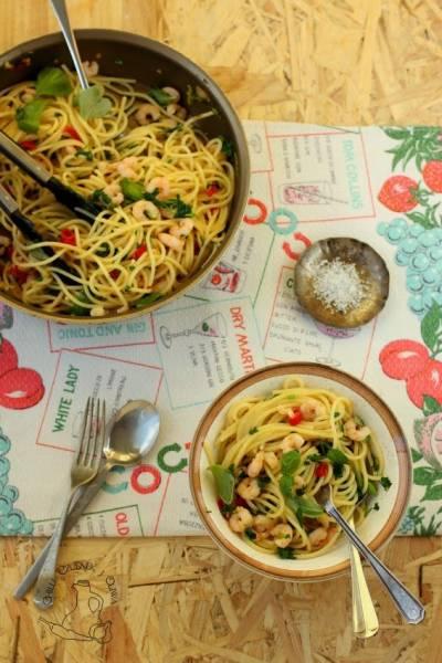 Mąż w kuchni: Spaghetti z krewetkami, czosnkiem i chilli
