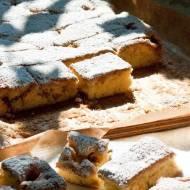 Szybkie ciasto piknikowe z owocami