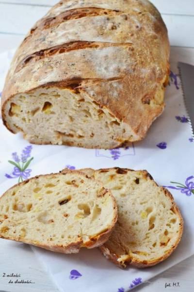 Majowa Piekarnia - Chleb z pieczonymi ziemniakami i rozmarynem