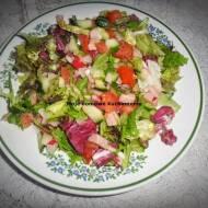 Kolorowa sałatka z olejem rzepakowym