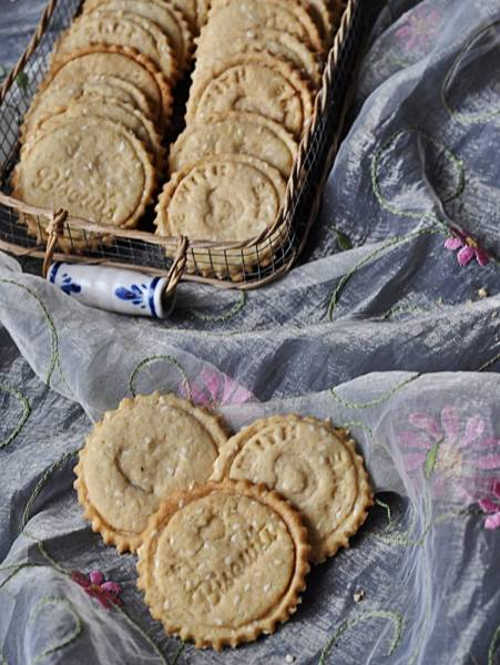 Kruche ciasteczka z sezamem