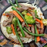 Marynowana wołowina z warzywami
