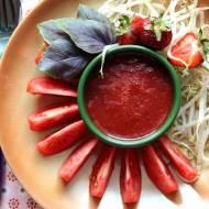 Truskawkowy sos sałatkowy