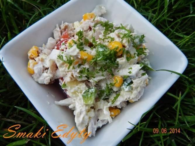 Sałatka z gotowanego kurczaka