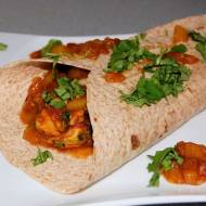 Indyjski kurczak curry z chatney'em z mango w tortilli