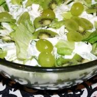 Sałata lodowa zkiwi iwinogronem