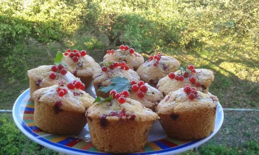 Muffiny z czerwonymi porzeczkami