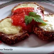 Bakłażan w panierce z pomidorową salsą