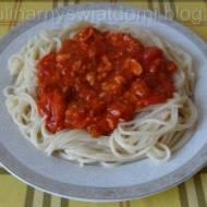 Spaghetti w sosie pomidorowo-łososiowym