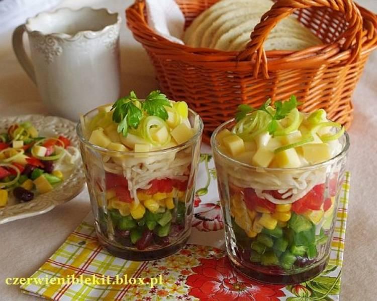 Kolorowa sałatka z nitkami selera