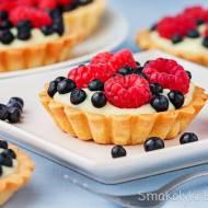 Tartaletki z budyniem i owocami