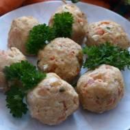 Pulpeciki przygotowałam dla 14 mies. córki. Z ziemniakami lub makaronem tworzą syty i zdrowy obiad. Gabrysia Wcinała aż miło był