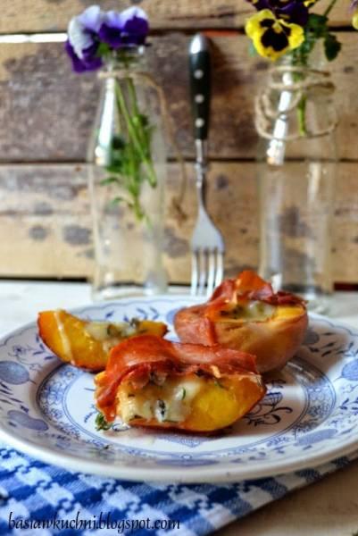 Brzoskwinia zapiekana z serem pleśniowym, tymiankiem i szynką prosciutto