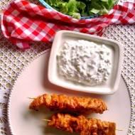 Smaki Turcji: szaszłyki z kurczaka z sosem jogurtowym