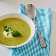 76. Na ciepło lub na zimno: czyli zupa krem z cukinii, ogórka kiszonego, awokado i mięty!
