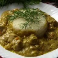 Potrawka świetnie smakuje z  purée ziemniaczanym , ryżem lub kaszą. Jest szybka i prosta w przygotowaniu jak to danie tego typu