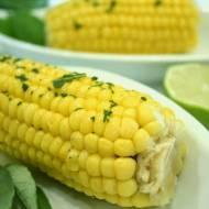 Kukurydza z masłem szałwiowym i miętowo melisowym