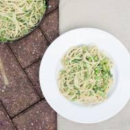 Zielone kremowe spaghetti. / Green creamy spaghetti.