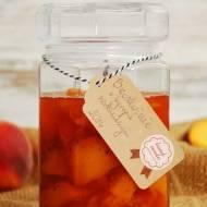 Brzoskwinie w syropie herbacianym