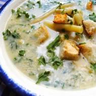Zupa z fasolki szparagowej z natką pietruszki i grzankami