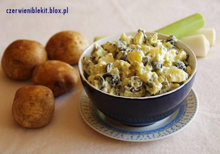 Sałatka ziemniaczana z porem i oliwkami do mięs z grilla
