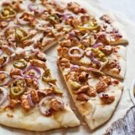 Pizza z kurczakiem barbecue
