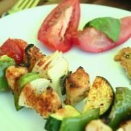 szaszłyki z warzywami i filetem drobiowym w cytrynowo imbirowej marynacie