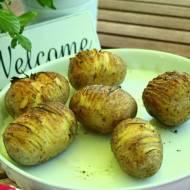 ziemniaki zapiekane z masłem i rozmarynem