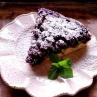 Odwrócone ciasto aroniowe