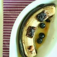 Pieczone banany z czekoladą nussbeisser i sokiem pomarańczowym