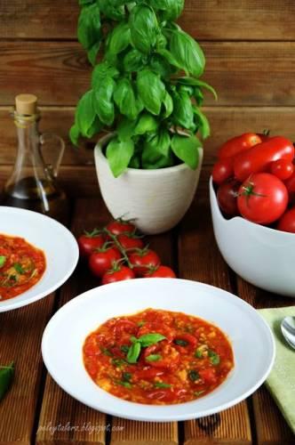 Zupa pomidorowa rodem z Toskanii (Pappa al pomodoro)
