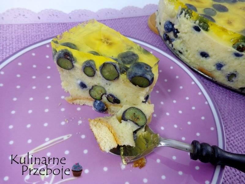 Sernik bananowo-cytrynowy z borówkami. Sernik na zimno.