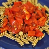 Błyskawiczny pomysł na zdrowy, prosty obiad- sos paprykowo-pomidorowy