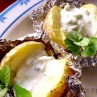 Pieczone ziemniaki z tzatzikami