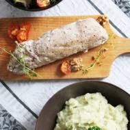 Roladki z polędwiczki wieprzowej faszerowane kozim serem i orzechami włoskimi, w asyście puree selerowo-jabłkowego i sałaty
