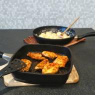 Grillowany kurczak z sosem serowym i kluskami śląskimi