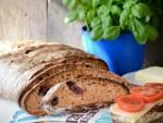 Chleb pomidorowy z oliwkami