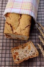 Chleb żytnio-gryczany z suszonymi pomidorami