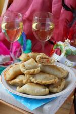 Empanadas z tuńczykiem - przekąska na imprezę.